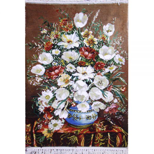 تابلوفرش دستباف گلدان لالههای سفید